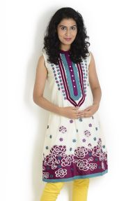 Floral Printed Kurta at Rs.1499
